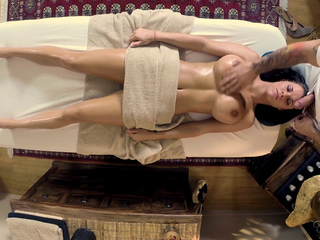 Peta Jensen gets a sex Massage